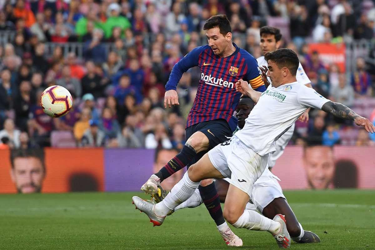 موعد مباراة فالنسيا وأوساسونا اليوم الأثنين 21-06-2020 الدوري الاسباني