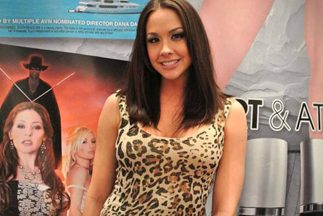 Porn Actresses Tell What Jobs They Have Before They Got Into Porn Industry (10 pics)