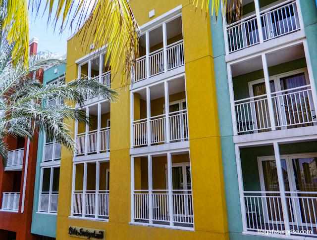 Fachada do Renaissance Curaçao Resort