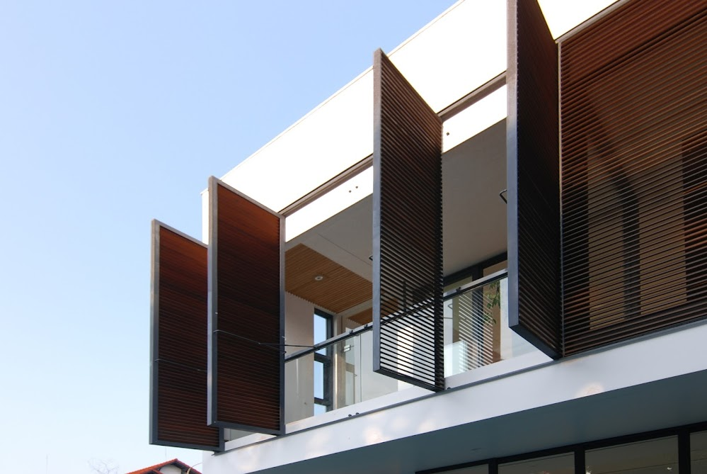 Timber_louver_door