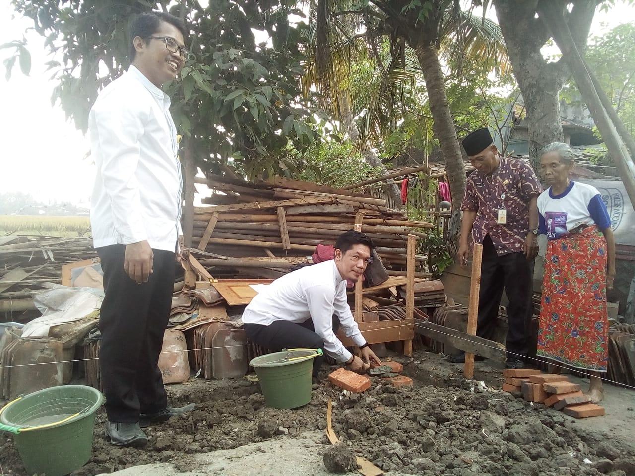 Akhirnya Rumah Roboh Di Desa Pakualam Dibangun Melalui Koperasi BMI