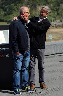 Roger Michell y Sam Neill en el Festival de San Sebastián