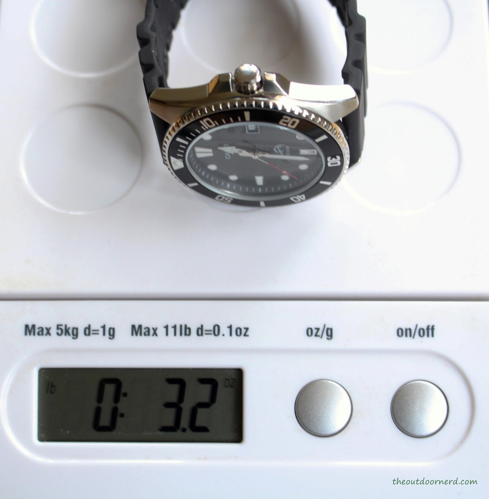 Casio MDV106-1A Diver's Watch: On Scale