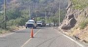 En la carretera Tlapa-Chilpancingo Vuelca ambulancia militar que trasladaba a pacente de Covid; un muerto y dos heridos
