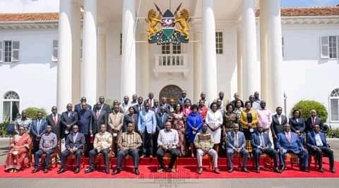 President Uhuru Kenyatta, ODM leader Raila Odinga and Nyanza MPs pose for a group photo at State House on Friday, May 28, 2021, ahead of the Kisumu tour