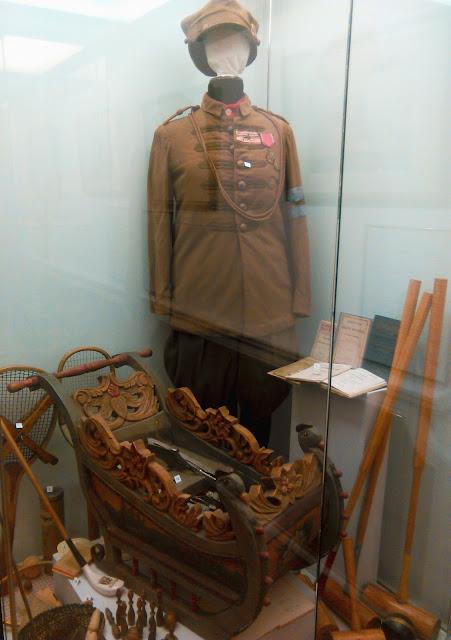 mundur, sanie, broń, muzeum, Kozłówka, lubelskie