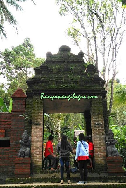 Pintu masuk Green Gumuk Candi, Songgon.