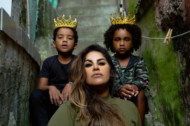 Michelle Nascimento volta pentecostal, Me Rendo A Tua Glória