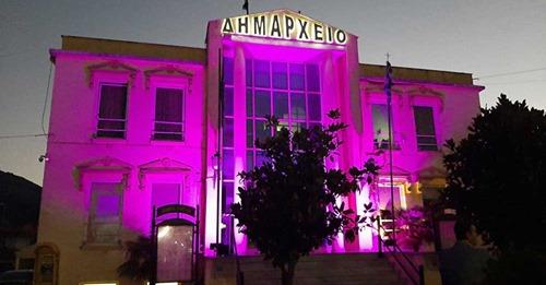 Συμβολικός φωτισμός, ροζ, του Δημαρχείου του Δήμου Πάργας πραγματοποιήθηκε στο Καναλλάκι, στο πλαίσιο της παγκόσμιας πρωτοβουλίας φωταγώγησης μνημείων και κτιρίων οροσήμων για την εκστρατεία για τον καρκίνο του μαστού.