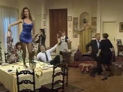 Droga party a ''Casa Vianello'': lo striptease della signora Valeria