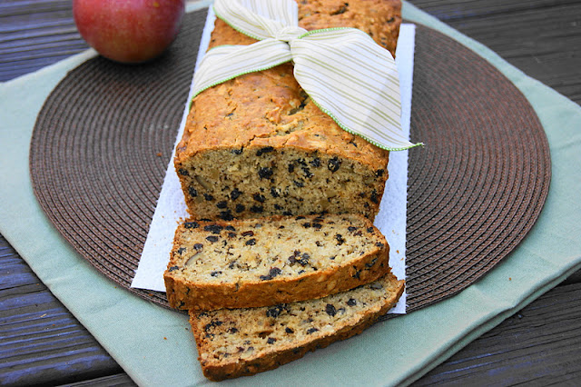 Apple Currant Bread