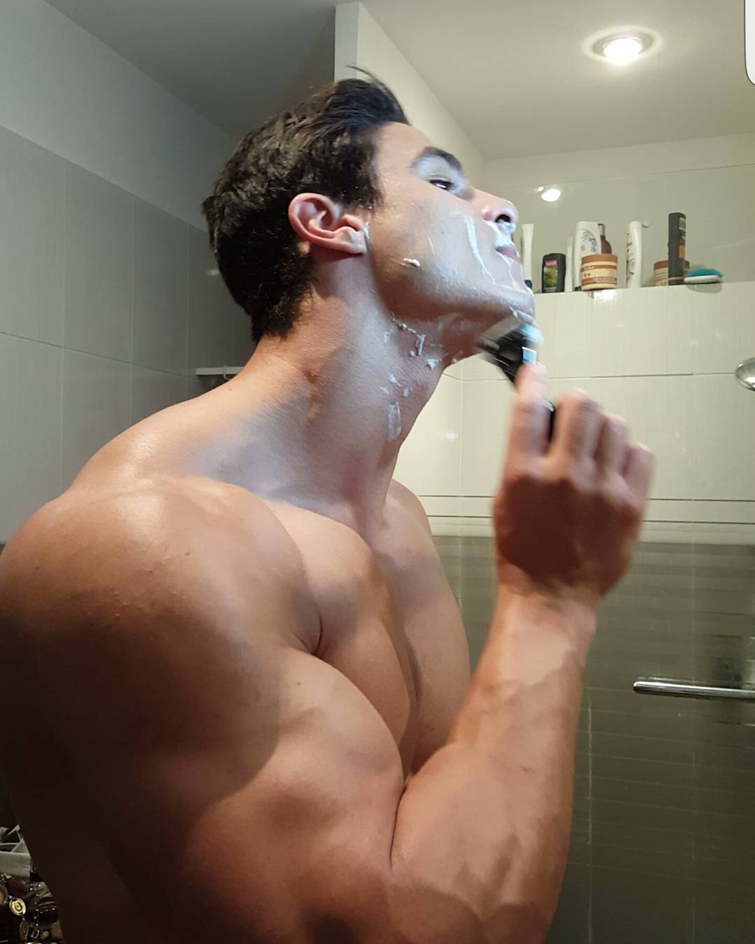 sexy-masculine-alpha-guy-shaving-beard-huge-muscular-body