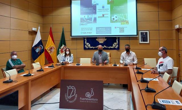 Cabildo de Fuerteventura  apuesta por la formación reglada en materia deportiva para favorecer oportunidades de empleabilidad en la isla