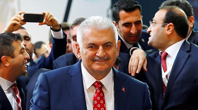 Regime turco desloca posição sobre o futuro de Assad na Síria - MichellHilton.com