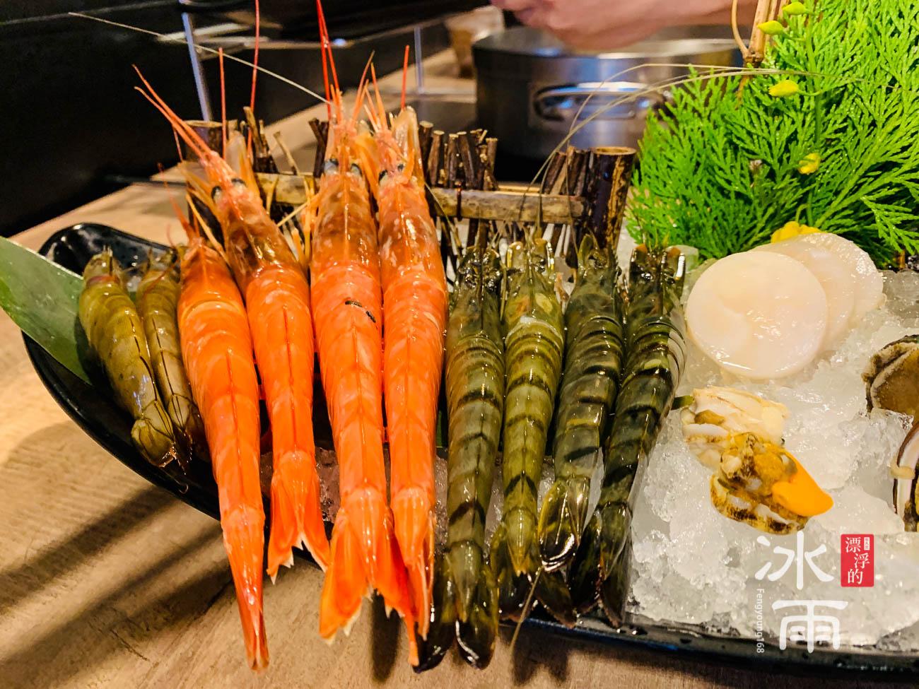 新馬辣經典麻辣鍋|信義遠百店|蝦子很有料,也很大隻