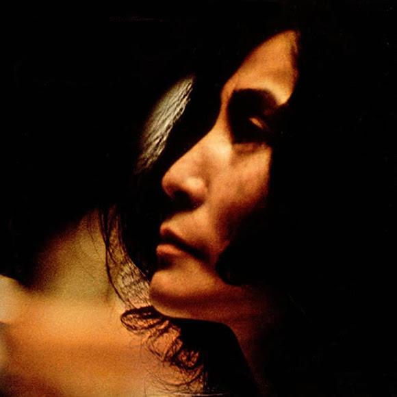 L'œuvre musicale de Yoko Ono à redécouvrir à travers des rééditions