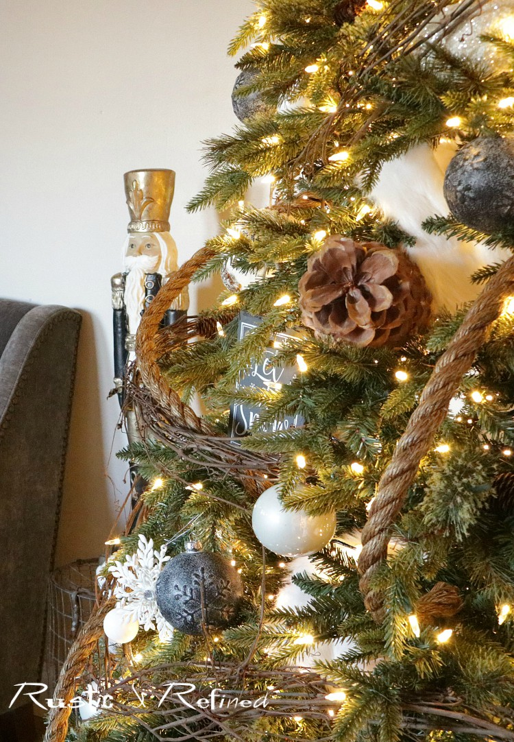 christmas decor tour with modern, rustic elements that has been thrifted, bought brand new and salvaged from all over. This is the decor that will inspire you!