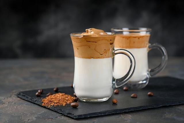 Sejarah Panjang Dalgona Coffee Si Kopi Viral