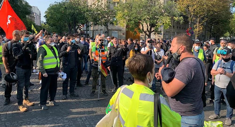 Gilets jaunes: 154 interpellations à Paris, des armes blanches trouvées