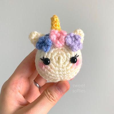 Unicorn Macaron (Free Amigurumi Crochet Pattern & Video Tutorial ... | 400x400
