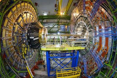 Pelanggar Hadron Besar atau Larga Hadron Collider