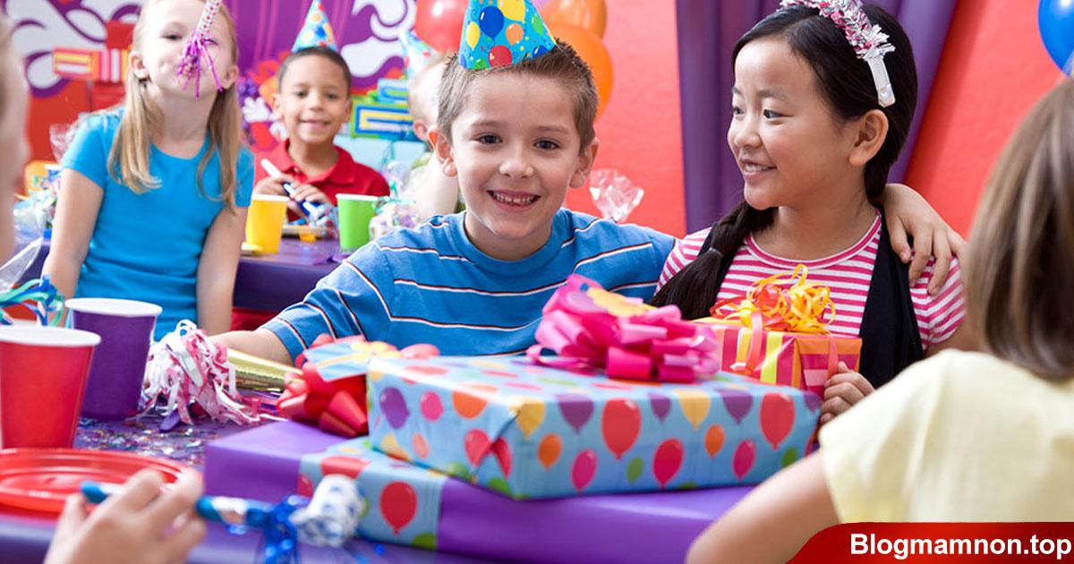 Nên mua quà gì tặng trẻ em 4 quy tắc chọn đồ chơi làm quà tặng ý nghĩa nhất
