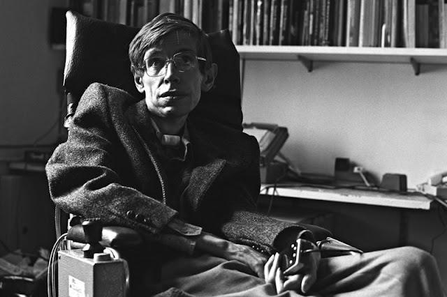 Stephen Hawking diwawancarai
