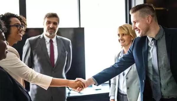 Cara Melatih Sikap Kepemimpinan Dalam Bisnis
