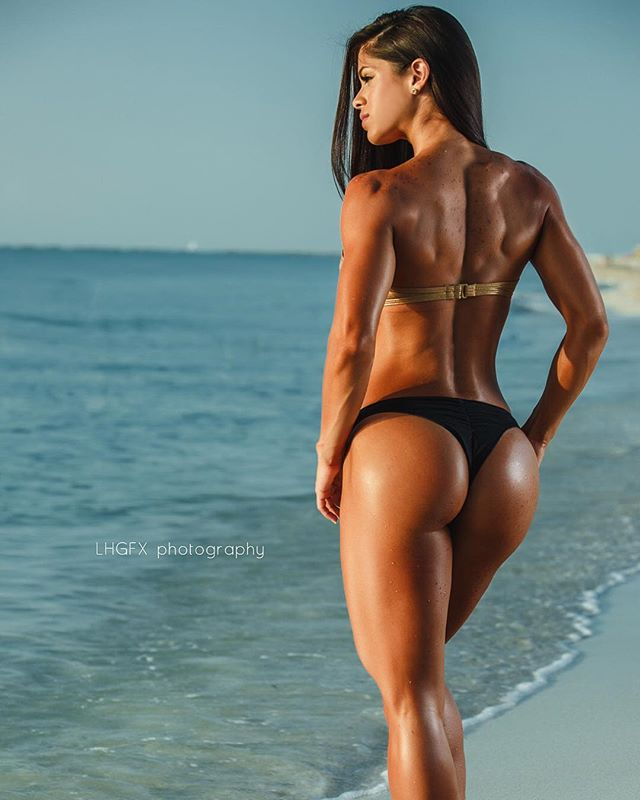 Fitness Models Michelle Lewin 3