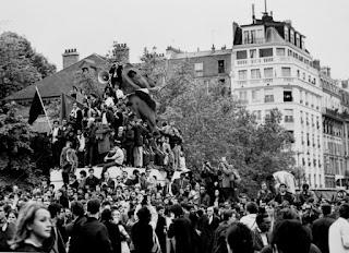 Manifestación del mayo del 68 en las calles de París.
