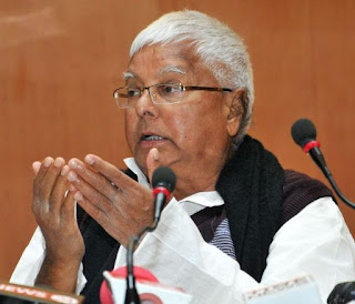 लालू का TWEET: राबड़ी के एक बयान ने RSS को 'हाफ पैंट' से 'फुल पैंट' करने पर कर दिया मजबूर