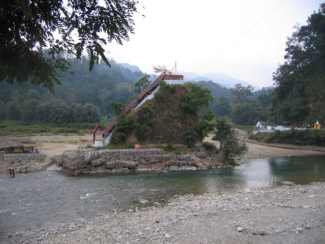 गर्जिया मंदिर