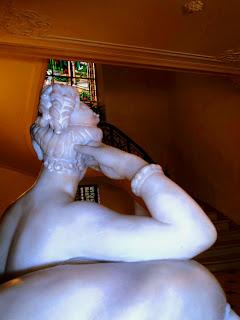 Escultura no Hall de Entrada da Casa Rosa