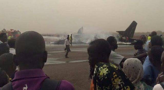 Acidente de avião no Sul do Sudão: Pelo menos 44 podem ter morrido após um avião de passageiros cair no aeroporto