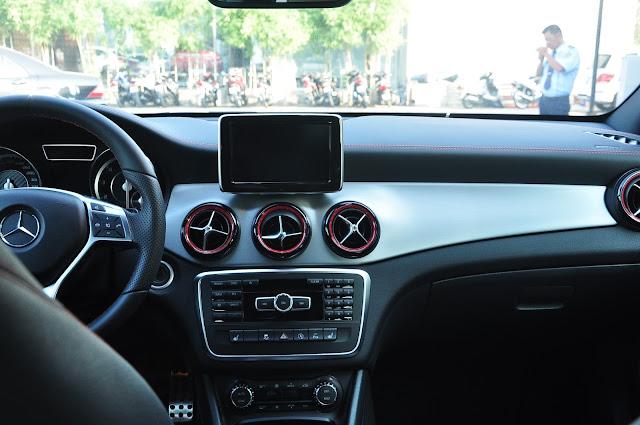 Mercedes AMG CLA 45 4MATIC luôn tạo cảm giác phấn khích khi lái xe