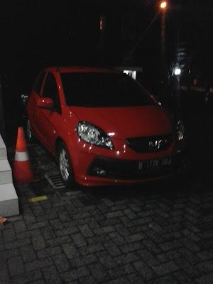 Honda Brio Warna Merah , Kunjungi Dealer Mobil Honda Di Salemba Raya ( Honda Cakra Pangukir ), Dapatkan promo Menarik Setiap Pembelian