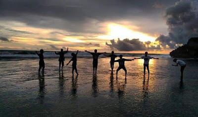 sunset pantai nampu