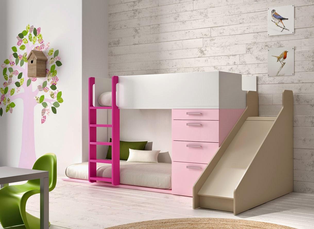 cama tren con tobogan rosa