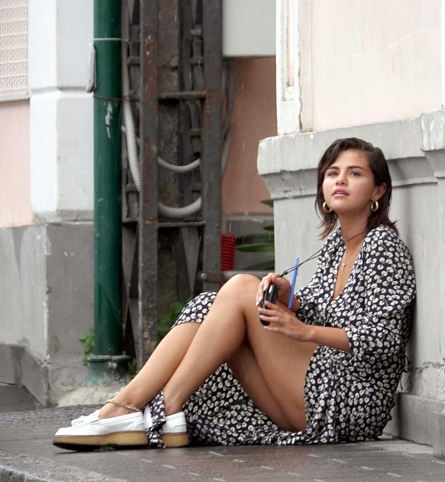 upskrit Selena gomez