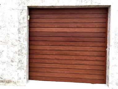 Portão em alumínio madeirado 45