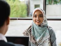 Panduan Memilih Koleksi Hijab Terbaru Sesuai Bentuk Wajah Anda