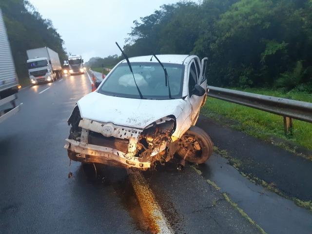 PRF apreende Maconha em automóvel após fuga em alta velocidade