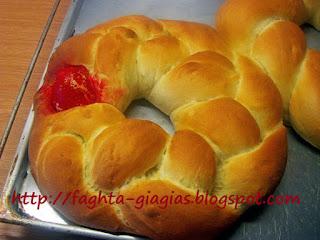 Το ψωμί της Λαμπρής - από «Τα φαγητά της γιαγιάς»