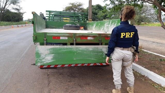 PRF apreende 390,5 Kg de maconha e prende homem que transportava a droga em Ivinhema (MS)