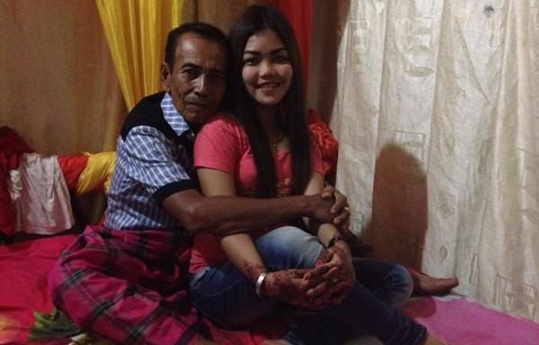Berapa Ya Beda Usia Ideal Pasangan Agar Keluarga Langgeng & Harmonis?