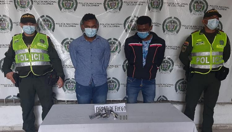 https://www.notasrosas.com/Capturados en Valledupar por uso de arma de fuego ilegal
