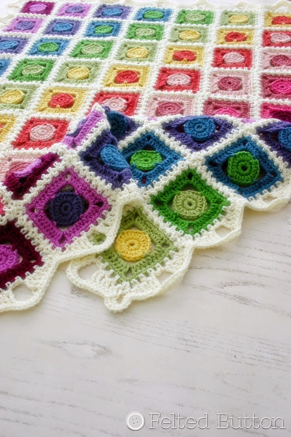 Circle Takes the Square Blanket (crochet pattern by Susan Carlson of Felted Button)
