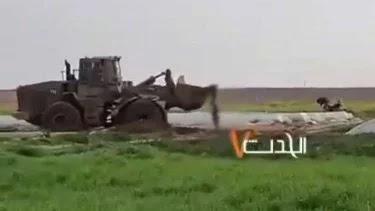 SADIS!!! BIADAB!!! Buldozer Israel Lindas, Tikam dan Seret Jenazah Warga Palestina