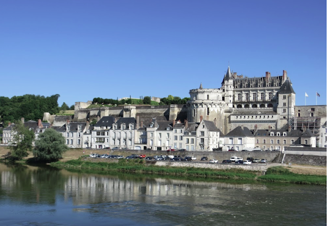 chateau amboise at Loire River