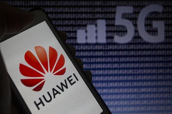 رغم الحظر ! هواوي تجري محادثات مع شركات أمريكية لترخيص شبكة 5G
